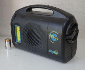 ゼンマイ式ラジオ